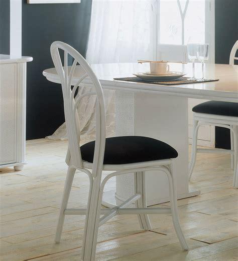 chaise en rotin but chaise en rotin d 39 intérieur brin d 39 ouest