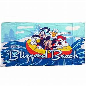 Your WDW Store - Disney Beach Towel - Mickey and Pals at
