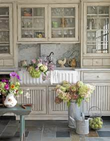 country living kitchen ideas maison decor kitchen cabs get a grey chalk wash