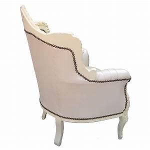 Fauteuil Simili Cuir : fauteuil princier de style baroque simili cuir beige et bois beige ~ Teatrodelosmanantiales.com Idées de Décoration