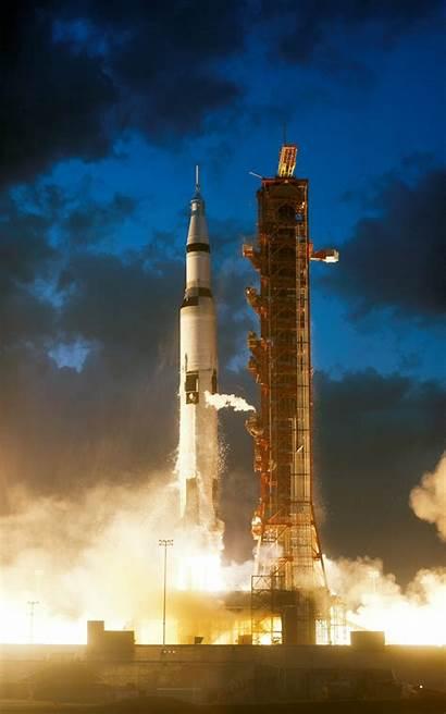 Pad Launch Rocket Wallpoper