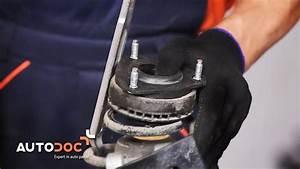 Changer Coupelle Amortisseur : comment remplacer des changer un coupelle d 39 amortisseur sur une ford fiesta 5 tutoriel autodoc ~ Medecine-chirurgie-esthetiques.com Avis de Voitures