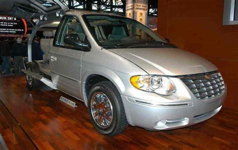 2006 Chrysler Town And Country Reviews by 2006 Chrysler Town Country Review Top Speed