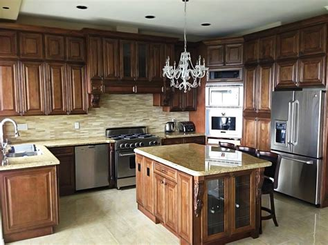 maple glazed kitchen cabinets choccolate maple glazed j k cabinets kitchen 7352