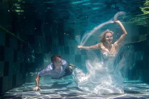makeup  underwater photo shoot makeup