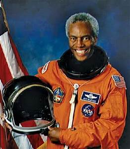 Guion S. Bluford, Jr. | biography - American astronaut ...