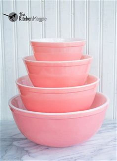halls parade small mixing bowl 39 s superior quality kitchenware set of 3 nesting bowls
