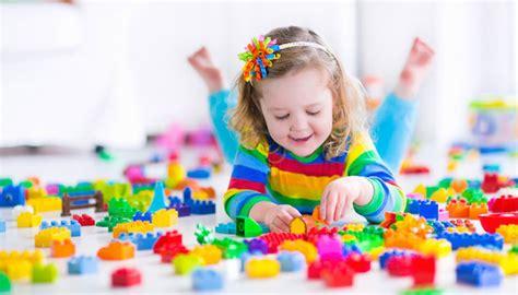 chambre fille bébé éducation comment faire pour que mon enfant range ses