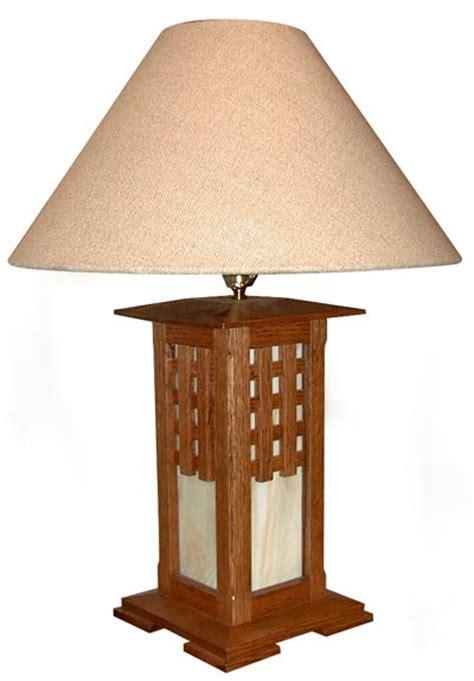 arts  crafts lamp woodworking plan  wood magazine