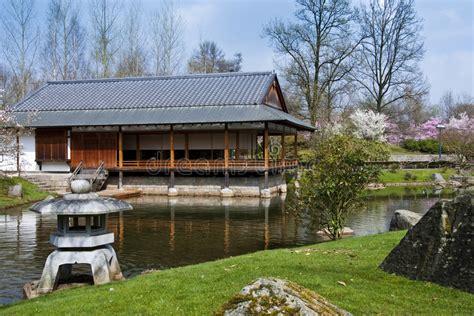 Japanischer Garten Hasselt Belgien by Japanischer Garten Hasselt Belgien Stockbild Bild 8955471