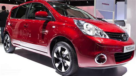 paris  nissan note facelift   autoevolution