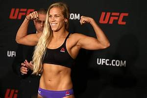 Women In Sports Day 9 UFC39s QuotBlonde Fighterquot Katlyn