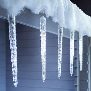 8 Snowing LED Icicle Drop Lights