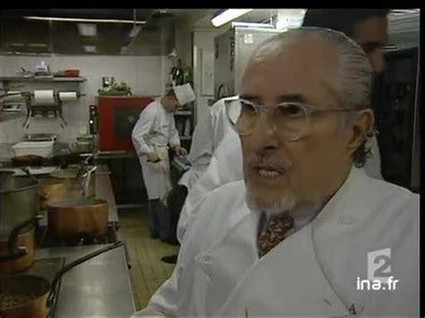 chef cuisiner le chef cuisinier alain senderens rend ses trois étoiles