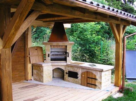 doplnky outdoor kitchen outdoor kitchen design mud house