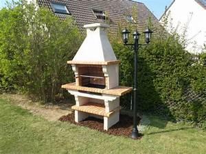 Barbecue En Dur : barbecue fixe fonctionnel et esth tique dans le jardin moderne ~ Melissatoandfro.com Idées de Décoration
