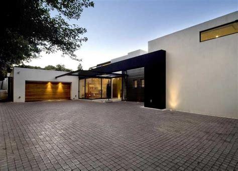 Flat Roof Garage Designs With Wooden Doors