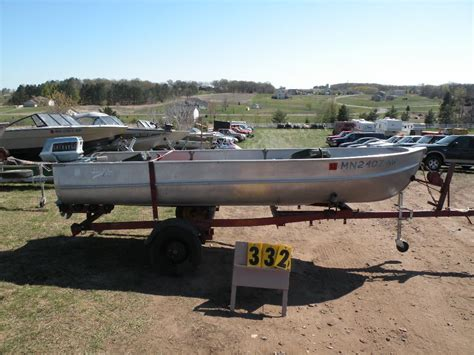 Alumacraft Boat Models by 1960 Alumacraft Model 5520 14 Ft Boat W 5 1 2 Hp Evinrude