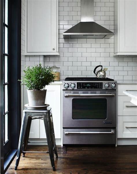 kitchen tiles backsplash subway tile in kitchen white subway tile backsplash 3310