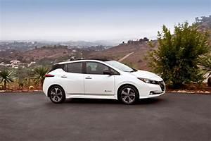 Nissan Leaf 2018 60 Kwh : official 2018 nissan leaf 60 kwh range will be better than 225 miles autoevolution ~ Melissatoandfro.com Idées de Décoration