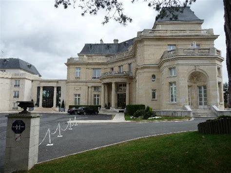 foto de tiara chateau hotel mont royal chantilly la chapelle en serval autre vue de la chambre