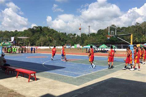 Outdoor man o covered court, game pa rin ang mga ...