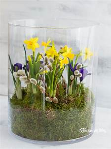 Deko Im Glas Ideen : pin von elvira grothe auf floristik pinterest easter flower arrangements easter flowers und ~ Orissabook.com Haus und Dekorationen