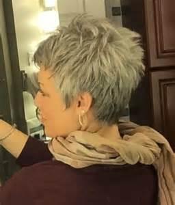 Die Besten 17 Ideen Zu Kurze Graue Haare Auf Pinterest Kurze Graue Frisuren Graue Haare