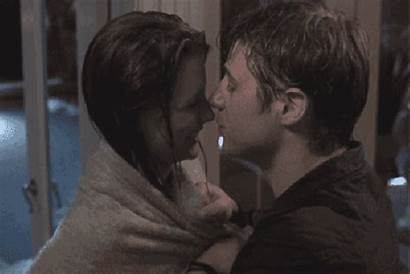 Ryan Kiss Marissa Gifs Kissing Wet Towel