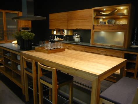 light and kitchen cabinets imm 8985
