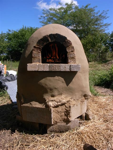 Backyard Pizza Oven Diy by How To Make Outdoor Cob Pizza Oven Diy Crafts Handimania