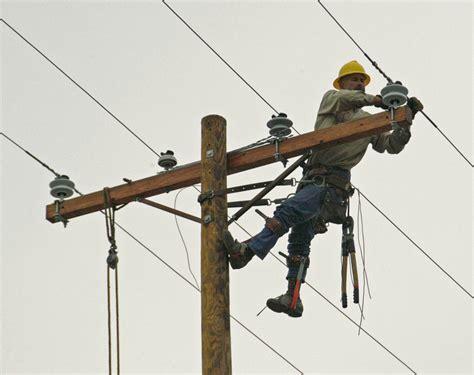 duke energy celebrates  heroes  national lineman