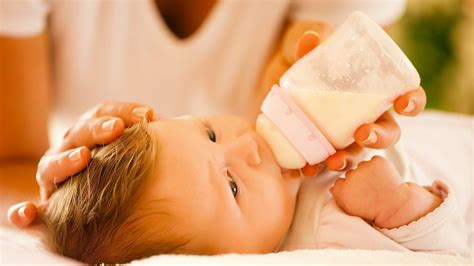 Formula Feeding Vs Breastfeeding Baby Development Youtube