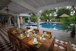 avis pour l39eclairage sympa d39une terrasse couverte en gwada With quel eclairage pour une terrasse