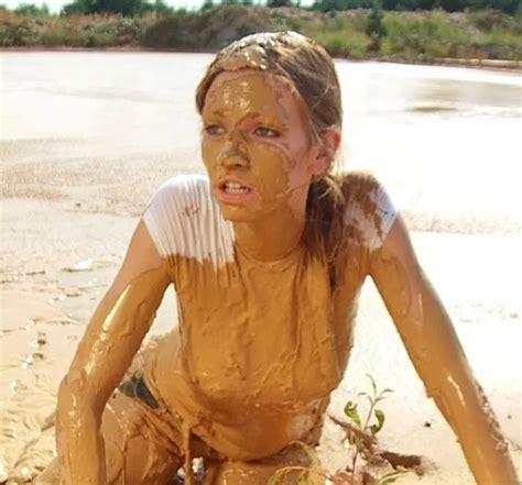 Hot And Sexy Mud Girls Barnorama