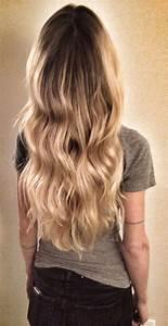 Ombré Hair Blond Foncé : blond wavy hair ombre balayage highlights beach hair hair color line tattoo ink ~ Nature-et-papiers.com Idées de Décoration
