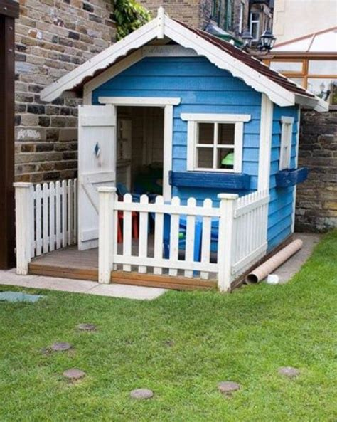 awesome outdoor kids playhouses  youll     digsdigs