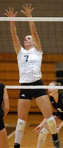 FRIARS.COM Volleyball Splits A Pair Of Matches - Official ...