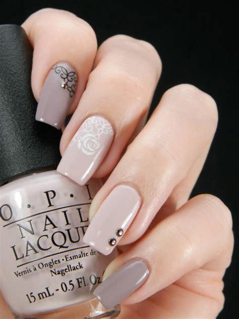 beige nail designs    season pretty designs