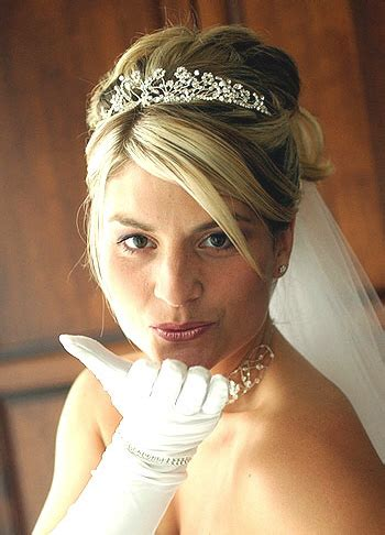 wedding hairstyles with tiaras and veils wedding