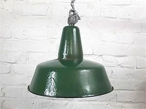 Vintage Lampen Berlin : emaillierte industrielampe fabriklampe ~ Markanthonyermac.com Haus und Dekorationen