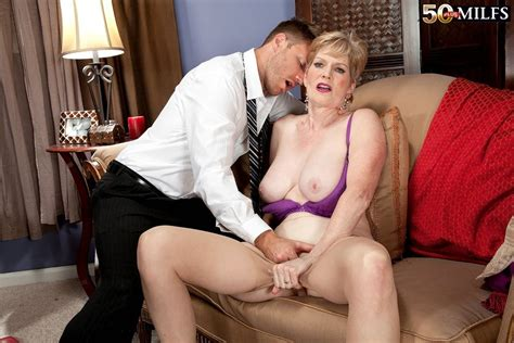 Funny Mature Sindee Dix Wants Her Ass Fucked Pichunter