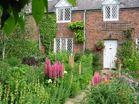 Filedodleston  Cottage Gardenjpg  Wikimedia Commons