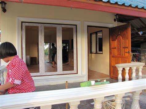 Review  บ้านหลังน้อยหลังคาทรงมะนิลา เรียบง่ายร่วมสมัย ใน