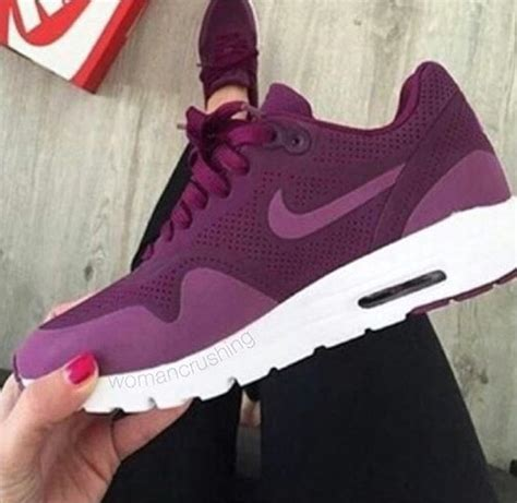 NIKE AIR MAX THEA IN BURGUNDY on The Hunt