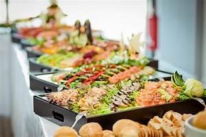 Party Buffet Ideen : buffet dekorieren 10 ideen vorgestellt ~ Markanthonyermac.com Haus und Dekorationen