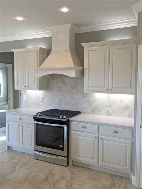 white kitchen cabinets white quartz countertops stain deductour 3656