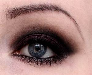 Smokey Eyes Blaue Augen : augen make up smokey eyes mit pflaume vegan beauty blog ~ Frokenaadalensverden.com Haus und Dekorationen