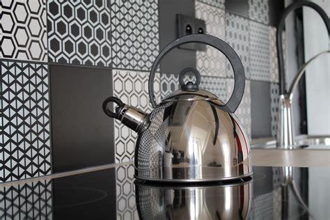 cuisine carrelage blanc carrelage salle de bain noir et blanc 10 revetement