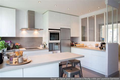 cuisine blanche avec ilot central cuisine blanche moderne avec verri 232 re et il 244 t central 5